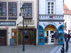 restaurante español en Praga.  Habia paellas, cómo no...