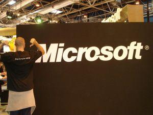 Practicando el activismo linuxero en la propia cara de Microsoft (clic para ampliar)