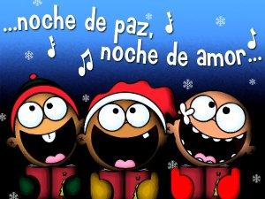 Adorables niños cantando villancicos