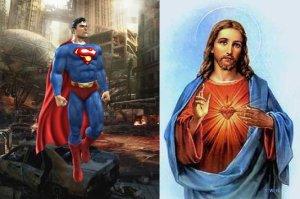 Los dos con capa... los dos con escudo en el pecho... predilección por el rojo y el azul... ¿no serán el mismo tipo?